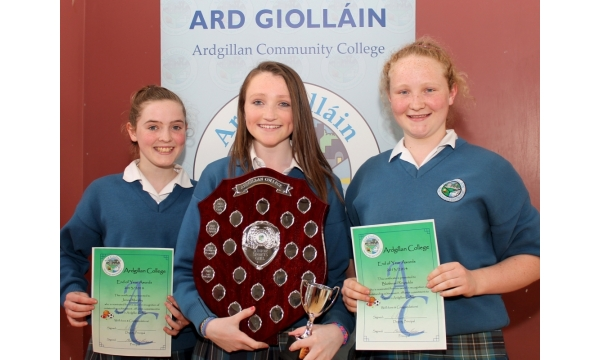 sports-ladies-of-the-year-ardgillan-college-jenny-aine-and-blathnaid-2