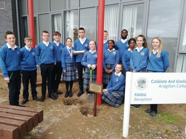 Student Council Plant 10 Year Time Capsule